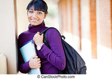 kvinnlig, indisk, högskola studerande, på, campus