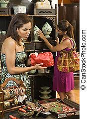 kvinnor, in, boutique.