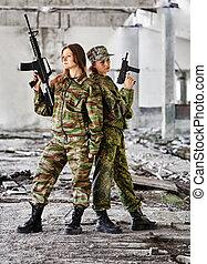 kvinnor, in, krig