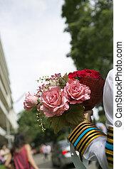 kwiaty, dzierżawa ręka, bukiet