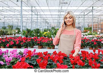 kwiaty, kwiaciarka, ładny, pracujący