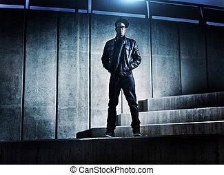 kylig, urban, african amerikansk man, på, distopic, konkret,...