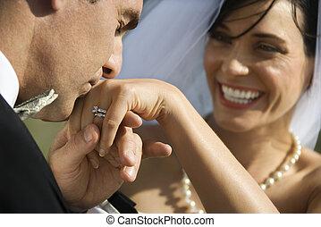kyssande, brudgum, bride., hand