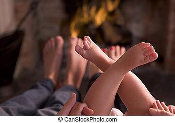 lábak, kandalló, melegítés, család