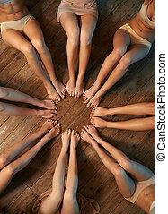 lábak, karika, táncosok, elhelyezett, emelet