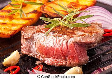 lábas, vas, hússzelet, grillezett