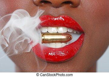 lábios, de, um, mulher, com, um, bala, e, fumaça