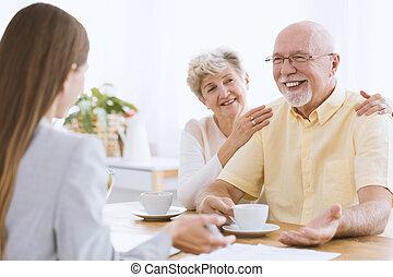 lány, látogató, boldog, öregedő, szülők
