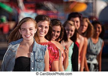 lány, mosolygós, csoport