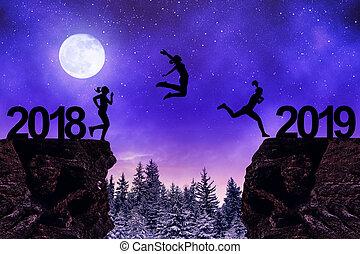 lány, ugrás, fordíts, a, újév, 2019, alatt, night.