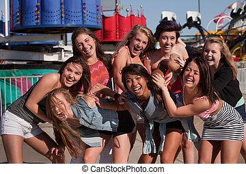 lány, vihog, csoport, tizenéves