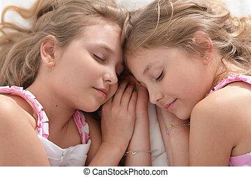 lánytestvér, ikrek, két