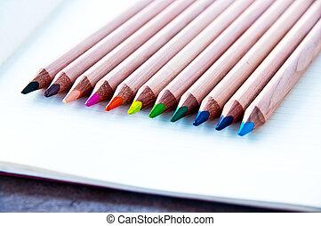 lápices, 2, coloreado