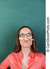lápis, pensativo, mulher, bigode