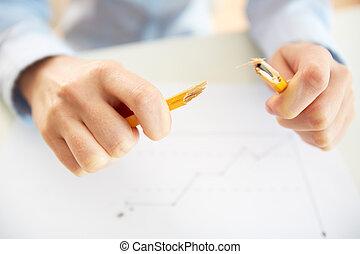 lápis quebrado