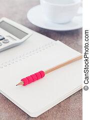 lápiz, cuaderno, abierto, blanco