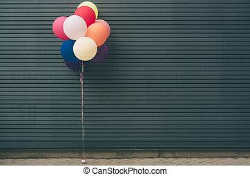 látex, conceito, festivo, multicolored, hélio, text., wall., cinzento, lugar, balões, seu, enchido