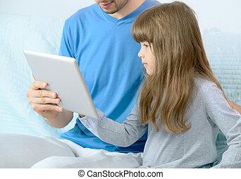 látszó, atya, lány, tabletta, digitális