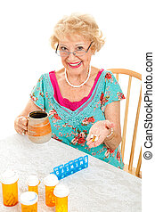 lächeln, ältere frau, nimmt, medizinprodukt