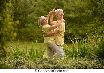 lächeln, ältere paare, tanzen