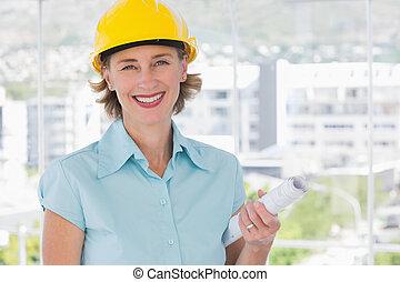 lächeln, architekt, anschauen kamera