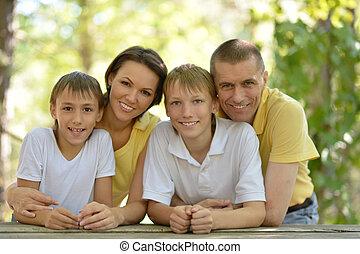 lächeln, familie, draußen