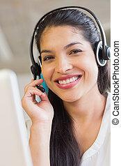 lächeln, kundendienstvertreter, tragender kopfhörer