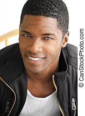 lächeln, schwarzer mann