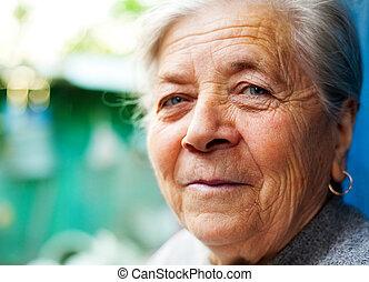 lächeln, von, eins, zufriedene , glücklich, ältere frau
