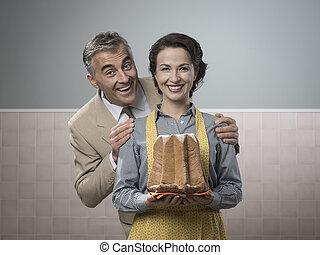 lächeln, weinlese, paar, mit, kuchen