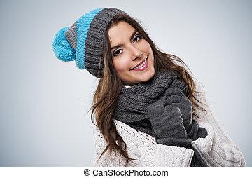 lächelnde frau, tragen, mode, überwintern kleidung