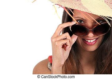 lächelnde frau, tragende sunglasses, und, a, strohhut