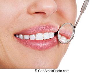 lächelnde frau, weiße zähne