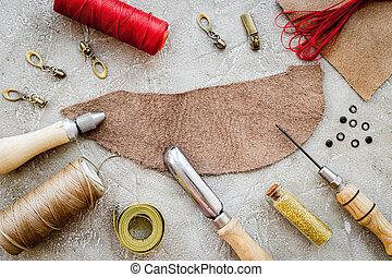 läder, crafting, redskapen, på, grå steniga, bakgrund, topp se, mockup