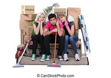 lägenhet, olycklig, deras, gripande, rensning, housemates, ...