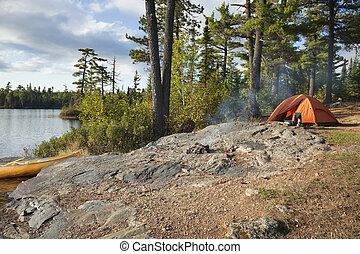 lägerplats, på, gräns, bevattnar, insjö, in, nordlig,...