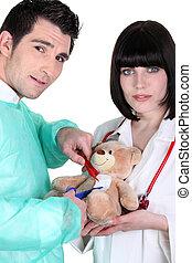 läkar lag, fungerande, på, a, nallebjörn
