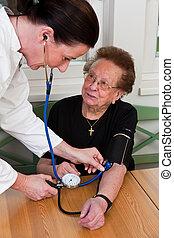 läkare, tålmodig, bifoga, den, blodtryck