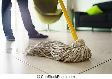 lästige arbeit, frau, boden, wischmop, fokus, putzen, daheim