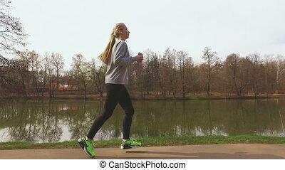 läufer, frauenlauf, park, trainieren, draußen, fitness