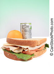 lé, ebédel, szendvics, gyümölcs