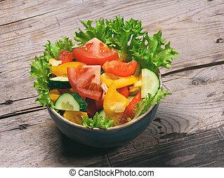 légume, salade, dans, a, bol, sur, table bois