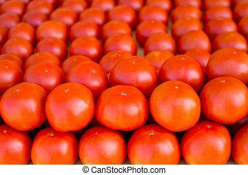 légumes, empilé, tomates, marché, rang