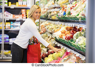 légumes frais, femme, achat, supermarché