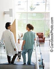 lépcsősor, gyalogló, türelmes, orvosi sportcsapat