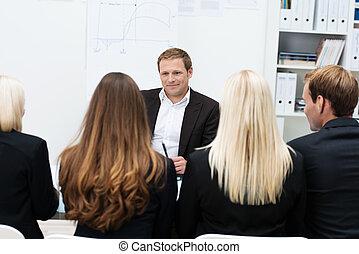 líder equipe, dar, um, motivational, conversa