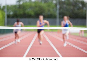 línea, fin, hacia, atletas, corriente