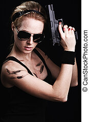 lövés, közül, egy, szexi, hadi, nő, feltevő, noha, pisztoly