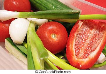 løg, pepper., tomater, grønsager, agurk, rød