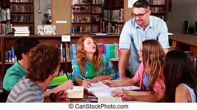 l, étudiants, ensemble, réviser